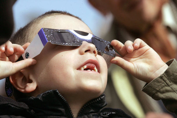 young-boy-total-solar-eclipse-viewing